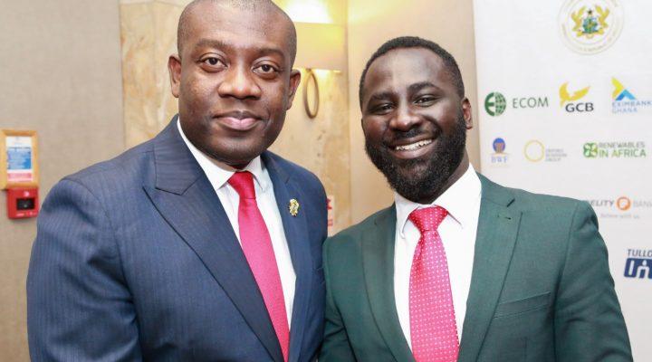 Notre Leader du Marché Ghanéen, M. Shadrack Appiah, et le Ministre Ghanéen de l'Information, M. Kojo Oppong Nkrumah.